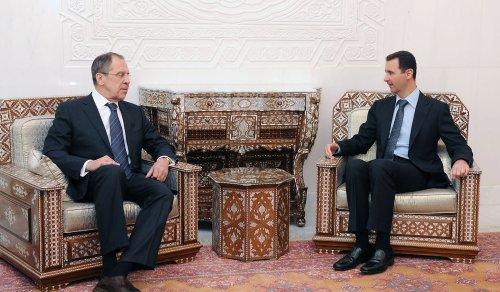Syrian ambassador to Iraq defects