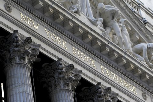U.S. stocks rise ahead of Fed's April meeting minutes