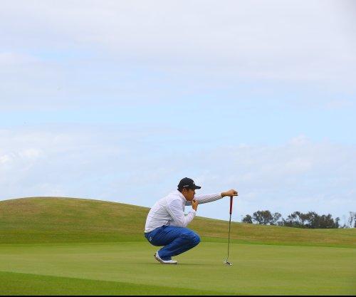 Byeong Hun An shoots 65, leads by one in Phoenix Open