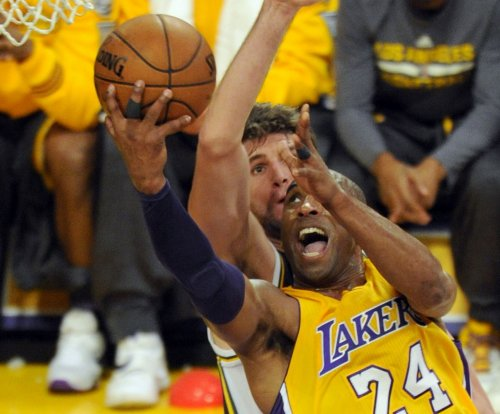 Los Angeles Lakers to retire Kobe Bryant's number