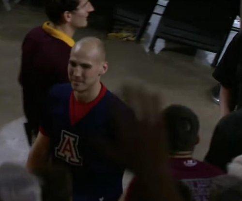 Arizona cheerleader ejected for heckling Arizona State player