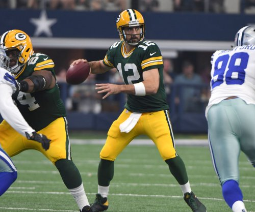 Report: Rodgers irked by Packers' lack of communication