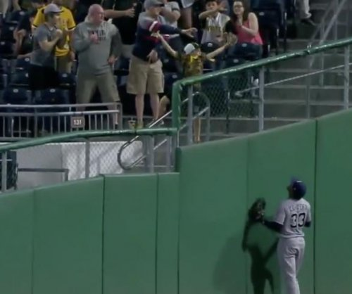 Pittsburgh Pirates fan makes fan makes great grab from stands