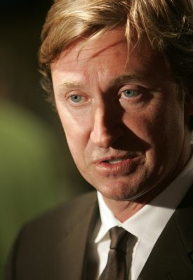 Gretzky resigns as Coyotes coach