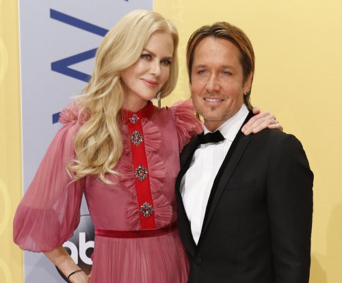Nicole Kidman says Keith Urban rushed to her side after dad's death