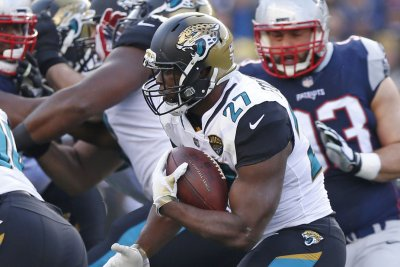 Jaguars RB Fournette suspended one game
