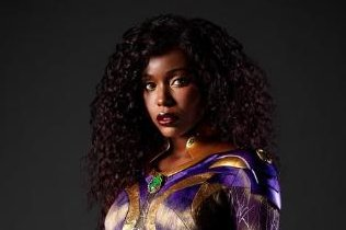 'Titans': Anna Diop dons new Starfire costume for Season 3