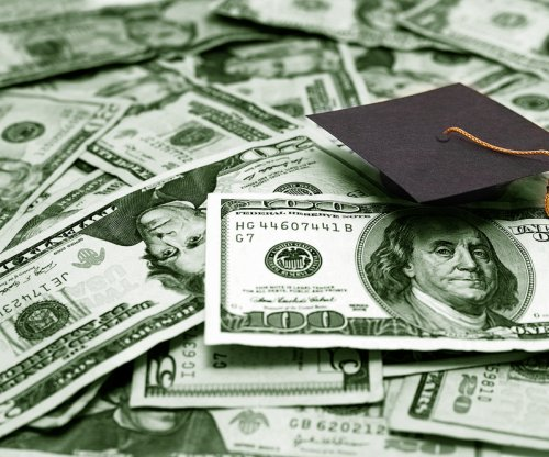 Lawmakers crack down on student loan repayment scams