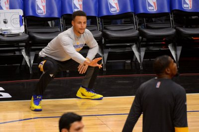 Golden State Warriors top Houston Rockets for 6th straight win