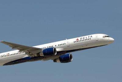 Unruly passenger forces Delta flight to divert to Albuquerque