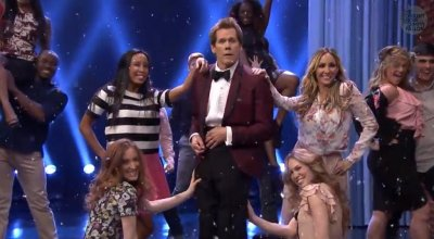 Kevin Bacon reenacts 'Footloose' dances 30 years later [VIDEO]