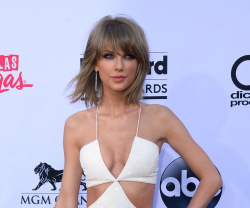 Taylor Swift slams Apple Music over no-royalties trial period