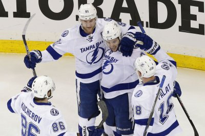 Tampa Bay Lightning take control with Game 5 win in Pittsburgh
