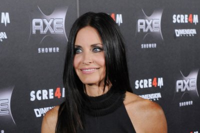 Courteney Cox: Brad Pitt divorce 'is not about' Jennifer Aniston
