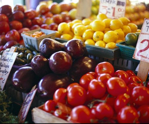 Tomatoes, apples could help heal ex-smokers' lungs