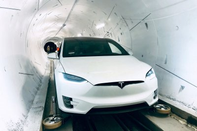 Elon Musk shows off mile-long test tunnel to ease LA traffic