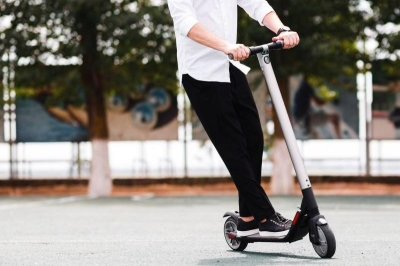 Alcohol a factor in many e-scooter injuries, study finds