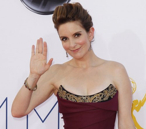 Tina Fey says she won't host Oscars in 2014