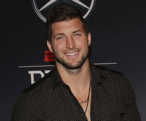 Tim Tebow pursuing baseball career, invites MLB teams to workouts