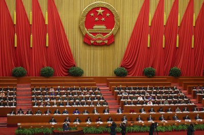 Premier Li Keqiang stresses party unity at National People's Congress gathering in Beijing