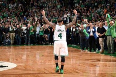 Isaiah Thomas drops 53 on late sister's birthday as Boston Celtics top Washington Wizards