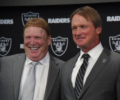 Owners approve Mark Davis, Oakland Raiders' stadium plan for Las Vegas