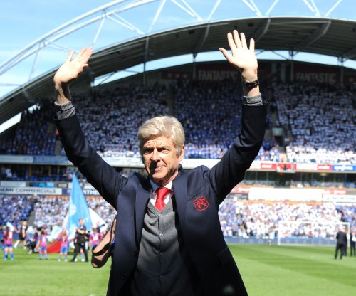 Arsene Wenger gets warm sendoff from road fans in last game for Arsenal