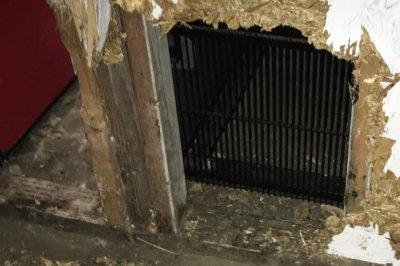 Police: Burglary suspect tunneled his way into store