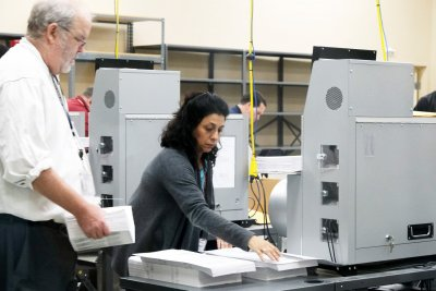 Hand recount ordered in tight Florida Senate race