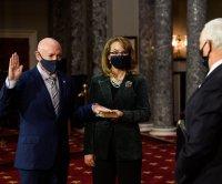 Sen. Mark Kelly sworn in on Senate floor