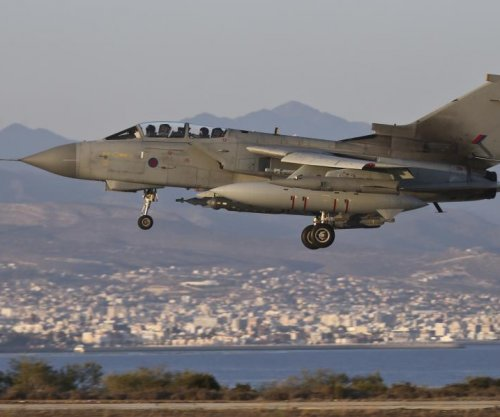 Britain extends service of Tornado fighter bomber in Iraq until 2017