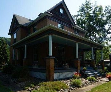 'Silence of the Lambs' house attracts gawkers, but no offers