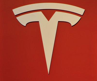 Feds launch probe over Tesla's auto pilot after driver dies