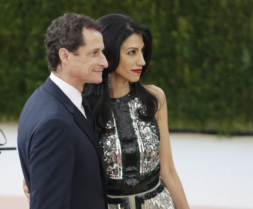 Human Abedin, Anthony Weiner separating after new sexting scandal
