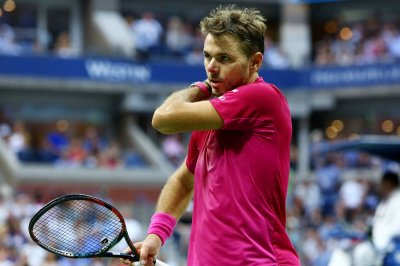 Stan Wawrinka advances to Australian Open semis again