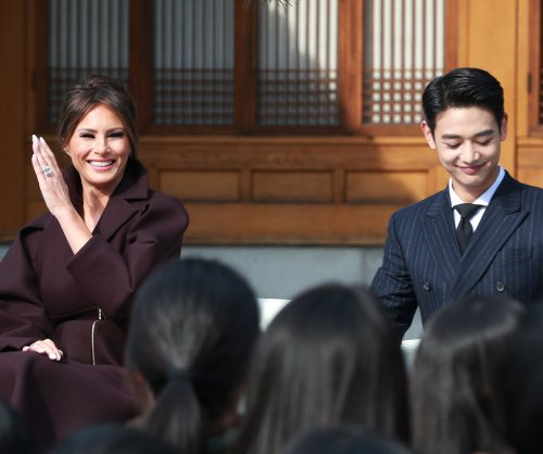 Melania Trump meets Shinee singer Minho in South Korea