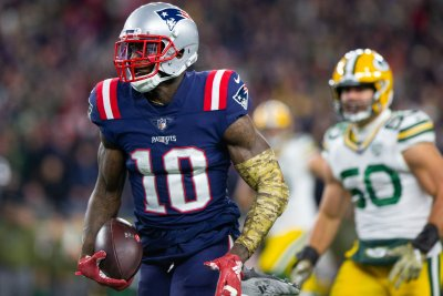 Seattle Seahawks claim former Patriots WR Josh Gordon off waivers