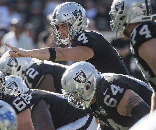 Derek Carr leads Raiders over Saints on Monday Night Football