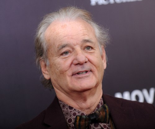 Bill Murray cheers on son's team Xavier University during March Madness