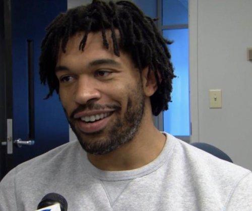 Julius Peppers: Carolina Panthers re-sign veteran DE