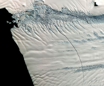Antarctica's biggest glacier still losing ice, thinning in a new way
