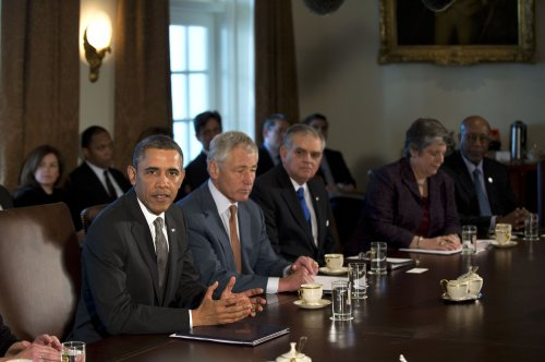 Obama convenes 1st Cabinet meeting of term