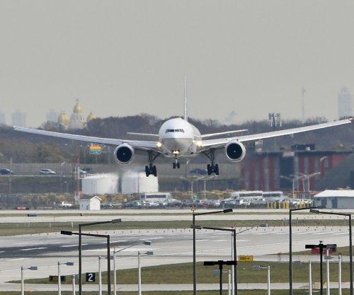 EPA proposes regulating airplane greenhouse gas emissions