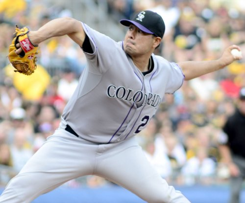 Jorge De La Rosa pitches Colorado Rockies past Pittsburgh Pirates
