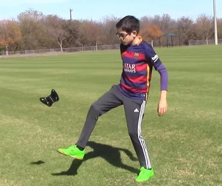 11-year-old soccer prodigy 'juggles almost anything with his feet'