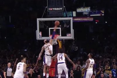 Tyson Chandler swats Trae Young for Lakers win