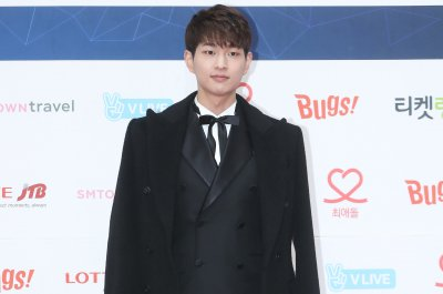 SHINee singer Onew pens note to fans ahead of enlistment