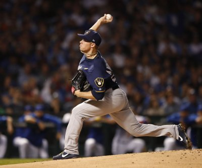 Milwaukee Brewers trade Chase Anderson to Toronto Blue Jays