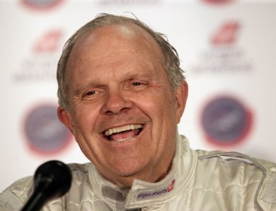 New searches launched for Steve Fossett