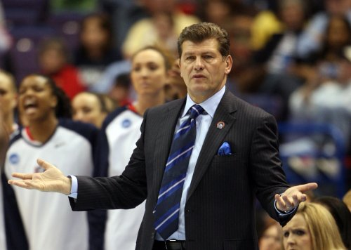 Geno Auriemma's call to Mo'ne Davis ruled NCAA violation